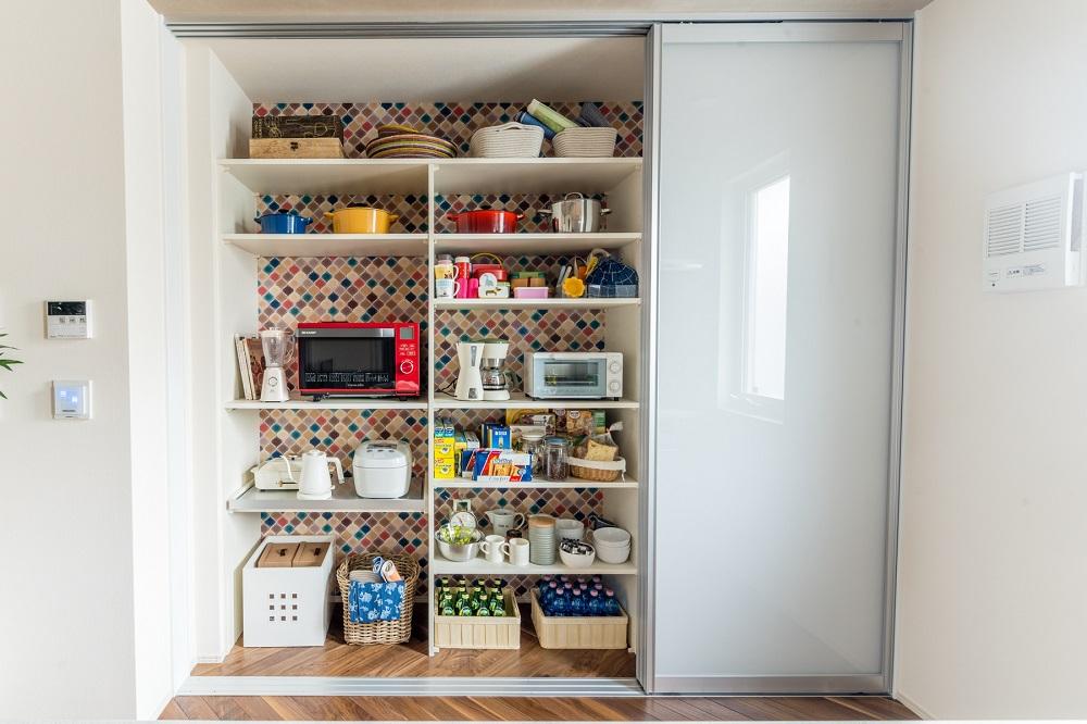 調理家電を収納棚にオールイン。スムーズな「クッキング&お片付け」を実現。高機能コックピット型「パワーキッチン」。