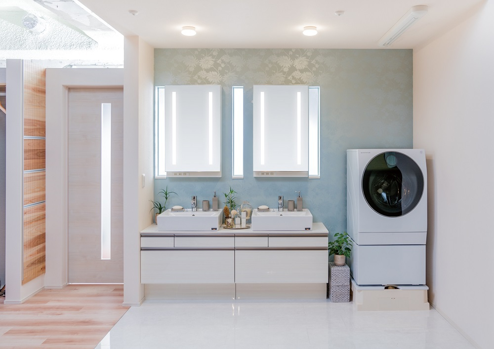 朝の洗面ラッシュも、2つのボウルで解消。ランドリー機能を付加した「パワー洗面」